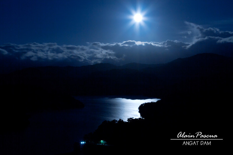 Moonrise over the reservoir. Photo by Alain Pascua.