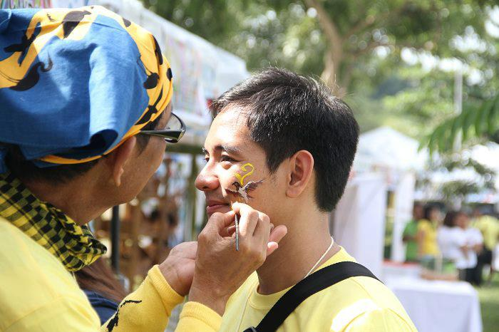 Face paiting. Photo by Irene Dy.
