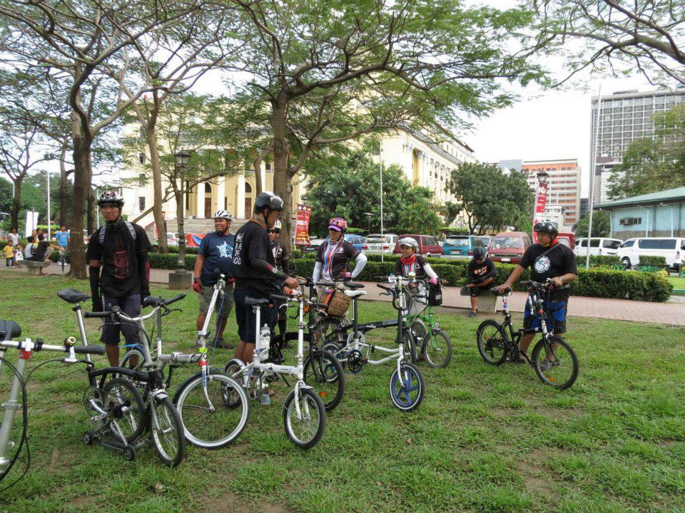 Tiklop cyclists at the Bird Fest grounds. Photo by Jasmin Meren.