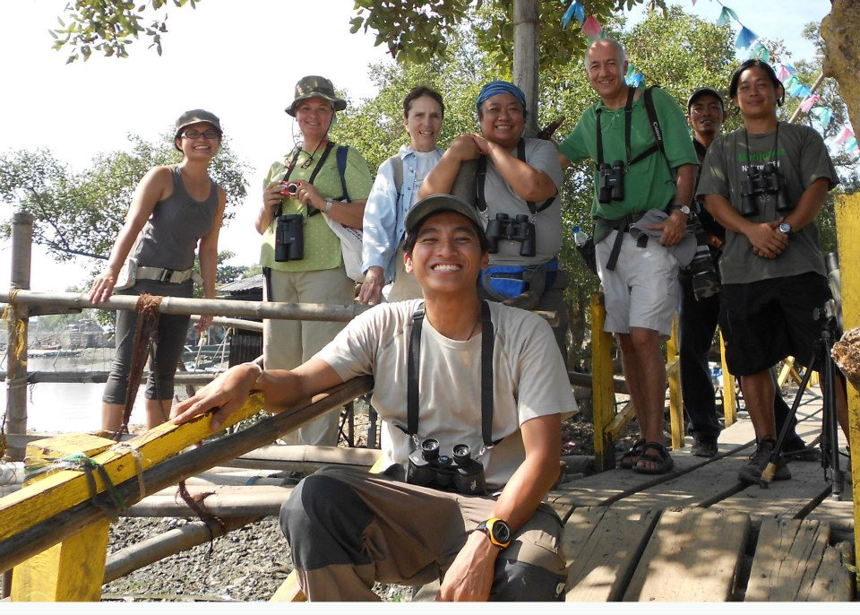 Happy group of birders in Navotas. Photo from Tinggay Cinco.