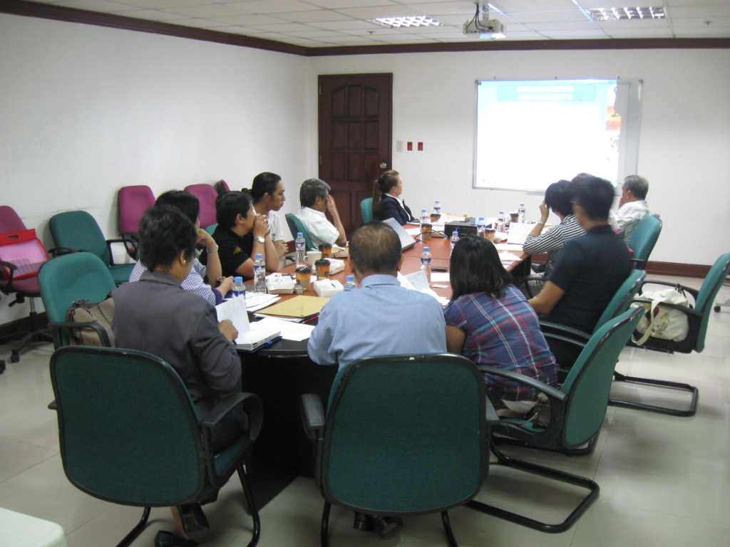 Discussion during the Regional Ecotourism Council meeting. Photo by Maia Tanedo.