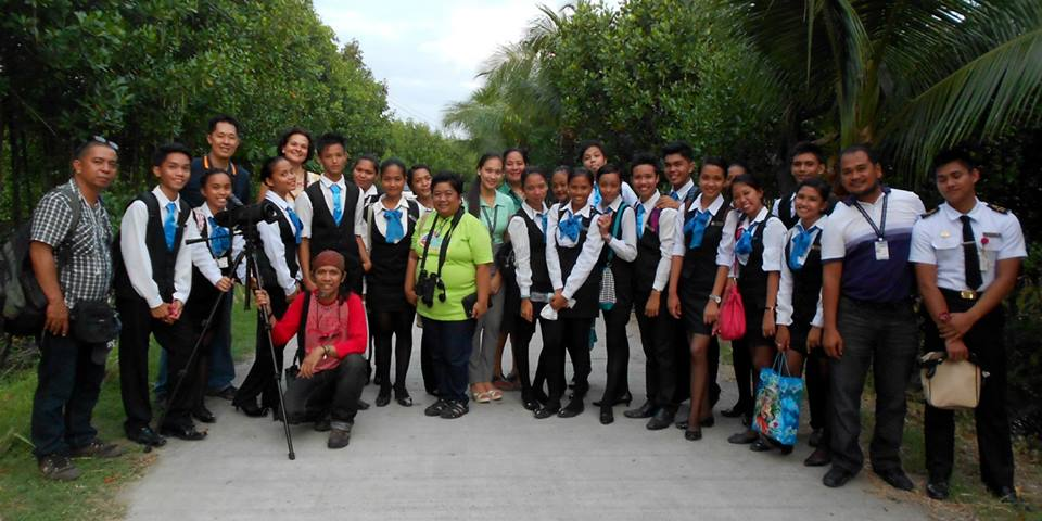 WBCP team posing with tourism students after they went birdwatching. Photo from Tinggay Cinco
