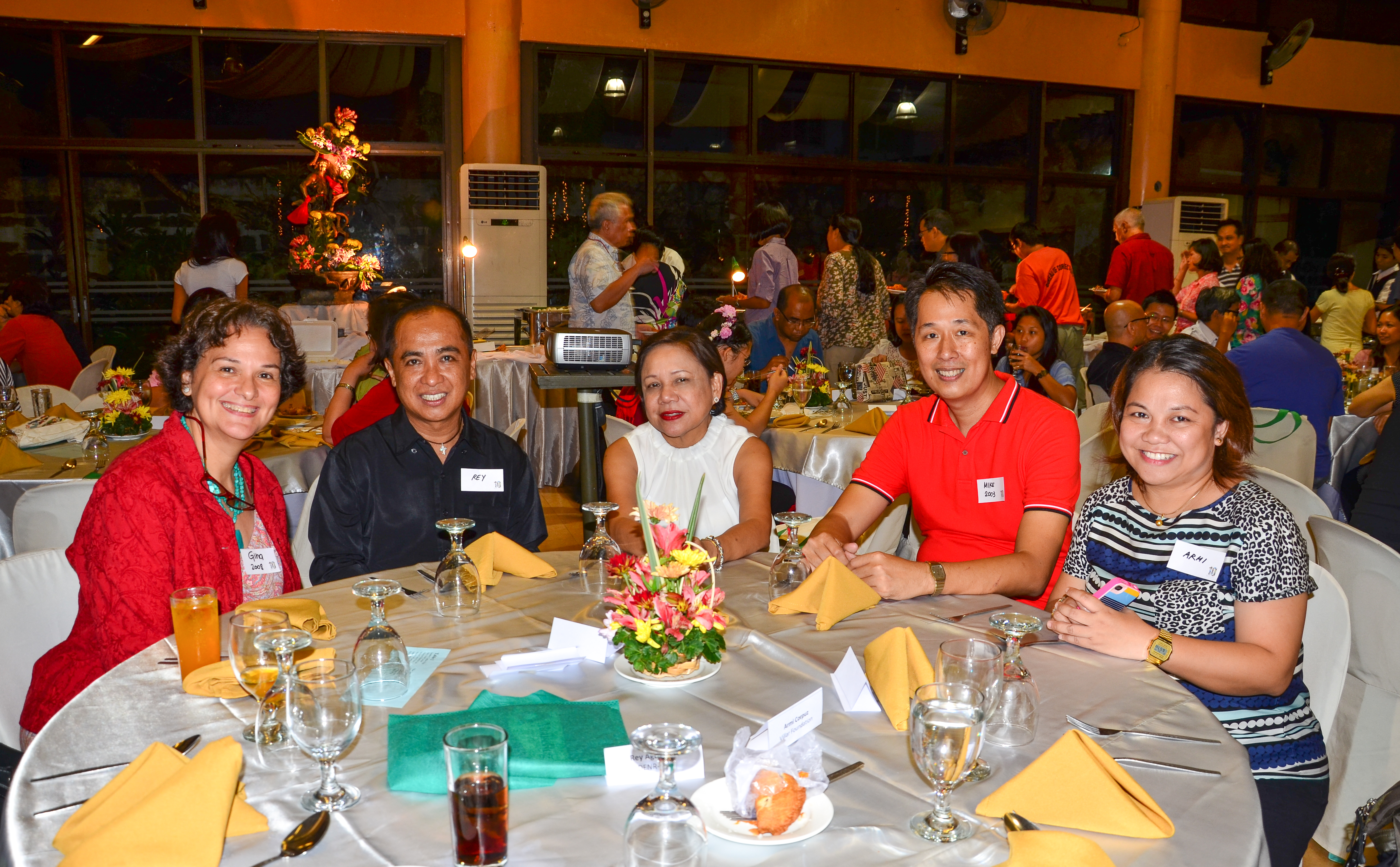 With the newly-elected officers, President Gina Mapua and Treasurer Mike Lu, among the guests who came to grace the event were Rey Aguinaldo of LPPCHEA, Senator Cynthia Villar and Atty. Armi Corpuz of the Villar Foundation. Photo by Marites Falcon.