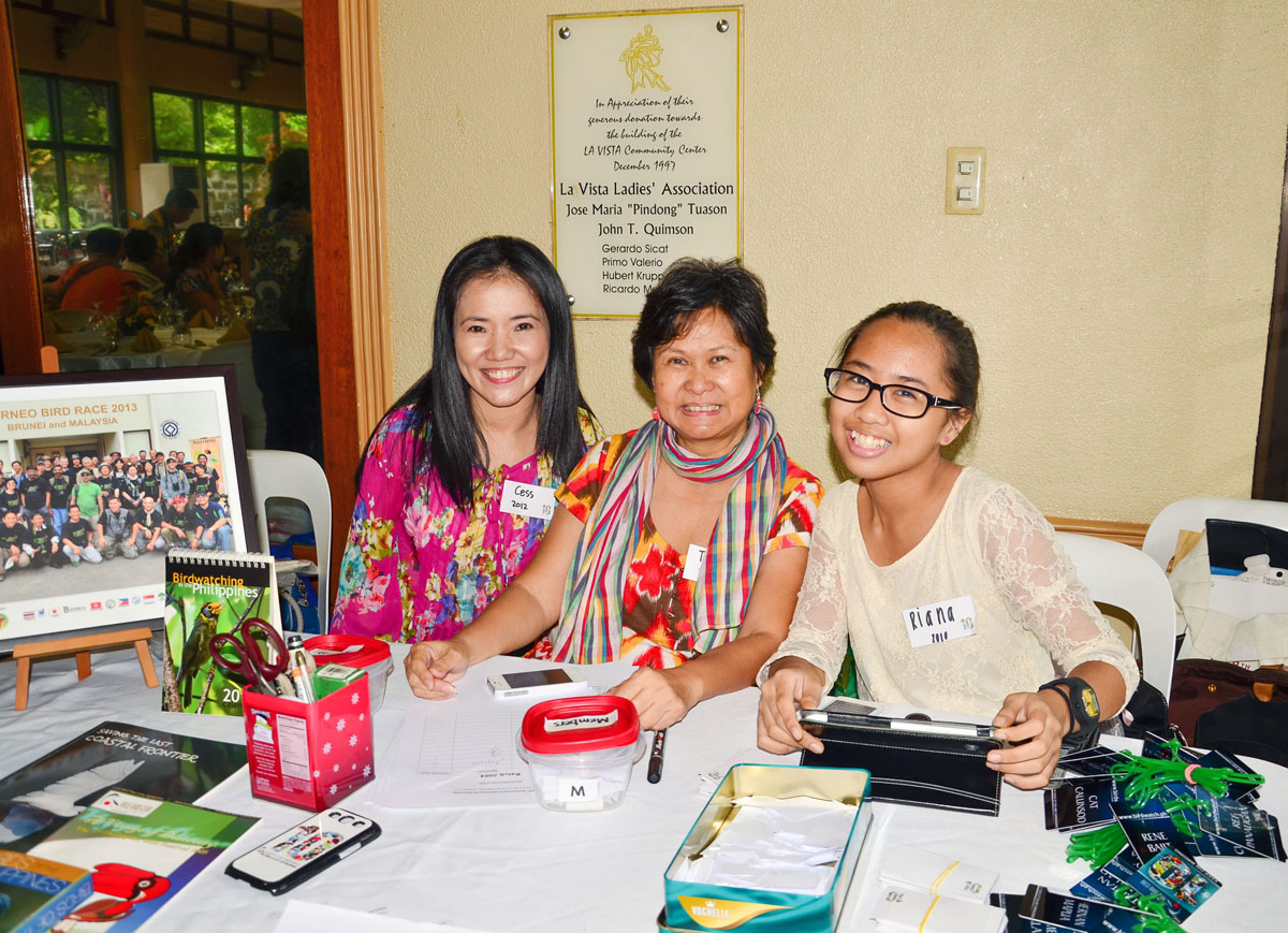 Volunteers Cess Chua, Tere Cervero and Yana Osano manned the registration table with their warmest smiles.