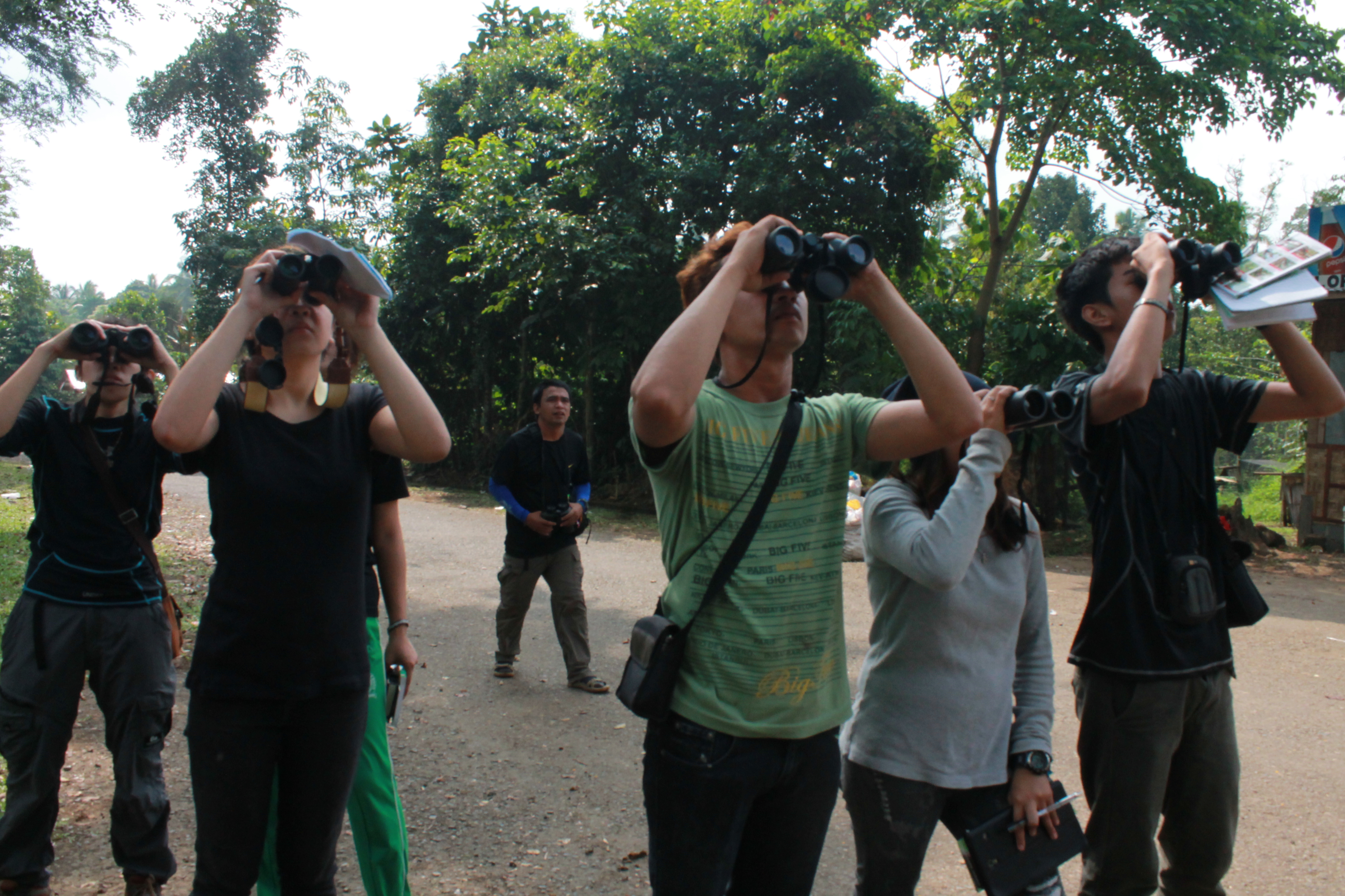 Mini bird race team Bulbul scanning the area outside the PEC grounds. Photo by Trinket Constantino.