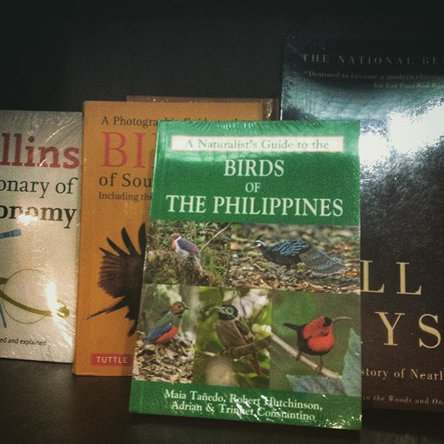 The field guide in National Bookstore. Photo by Trinket Constantino.